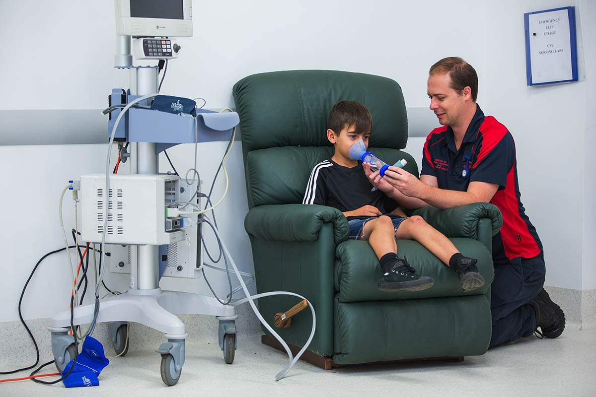 Work with all kinds of patients including children, adults and the elderly.